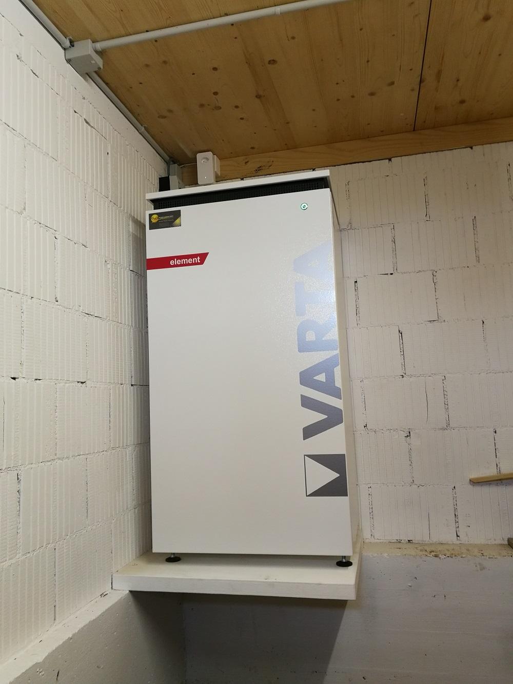 Batteriespeicher-Varta-Element-Imhof-Ganterschwil