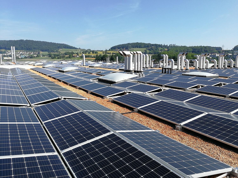 PV-Anlage-ZWZ-Regensdorf-Solaredge-Wechselrichter-und-Optimierer