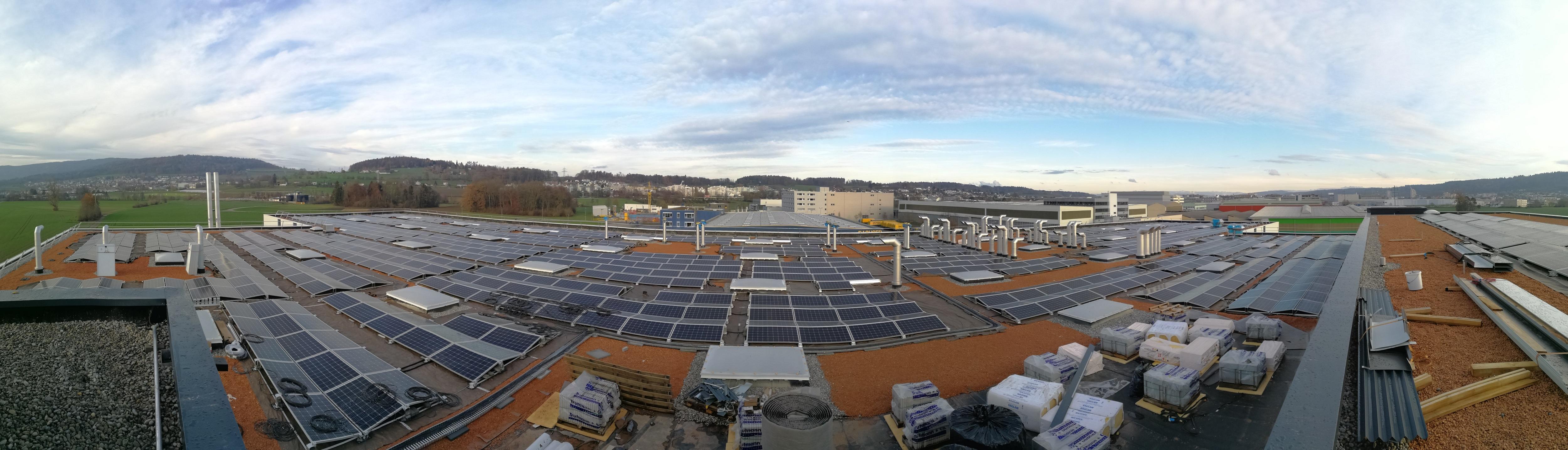 Panorama-Photovoltaikanlage-ZWZ-Regensdorf