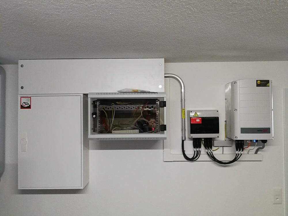 Solaredge-Wechselrichter-Indach-Photovoltaik-Algetshausen-Uzwil
